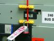 2: Schutzschalter-Verriegelung (480-600 V)