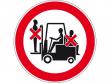 35: Mitfahren auf Gabelstaplern verboten